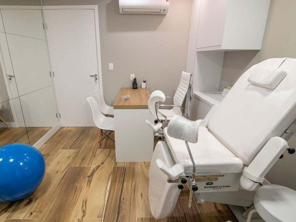 Sala de fisioterapia Pévica na clínica gravidez saudável
